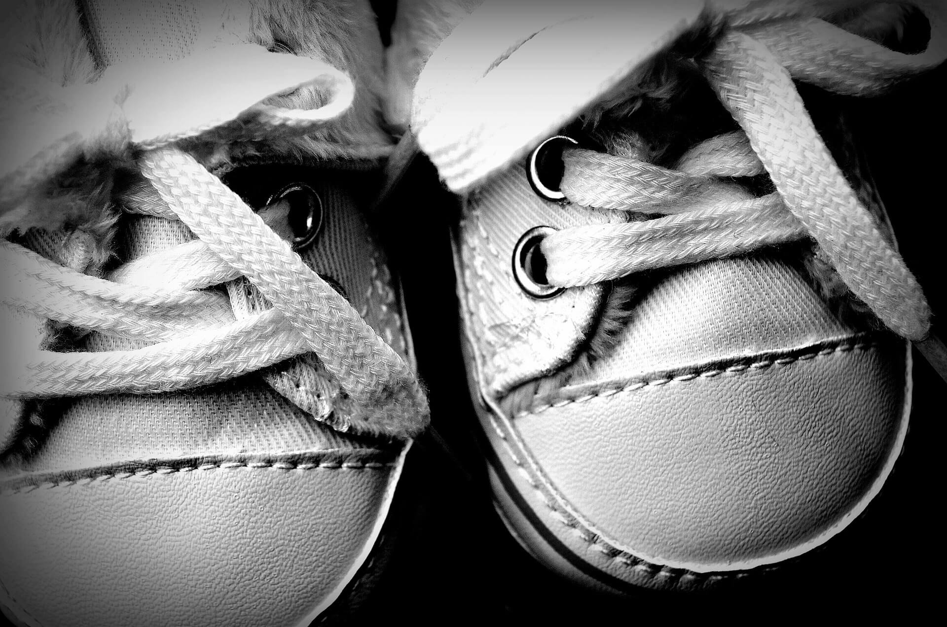 baby-shoes-1814348_1920